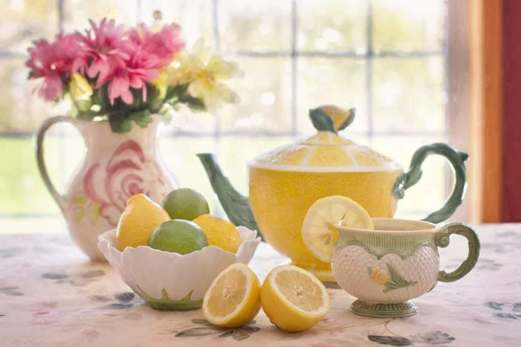 Se débarrasser des cafards à l'aide de citron.